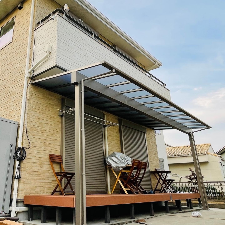 土岐市にてリクシル社製テラス屋根 2021年最新型テラスVS+ソルディーポートの施工実例